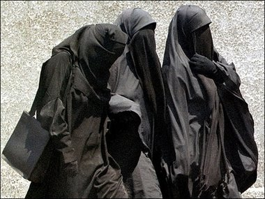 How to Dress Modestly As a Muslim Girl - 4 Easy Steps