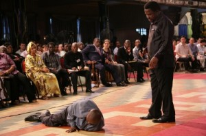 tb-joshua-prays-for-jude