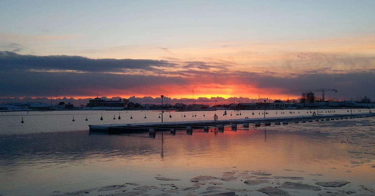 Sunset from Merisatama. © Ice Swimmer