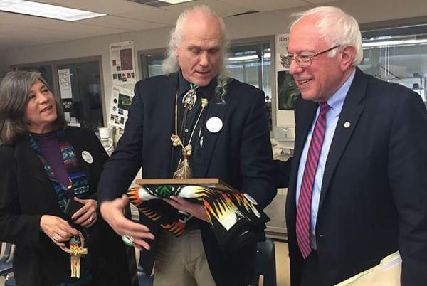vancouver_native_leaders_becky_archibald_and_roben_white_with_sen._bernie_sanders_march_20_2016_-_courtesy_roben_white