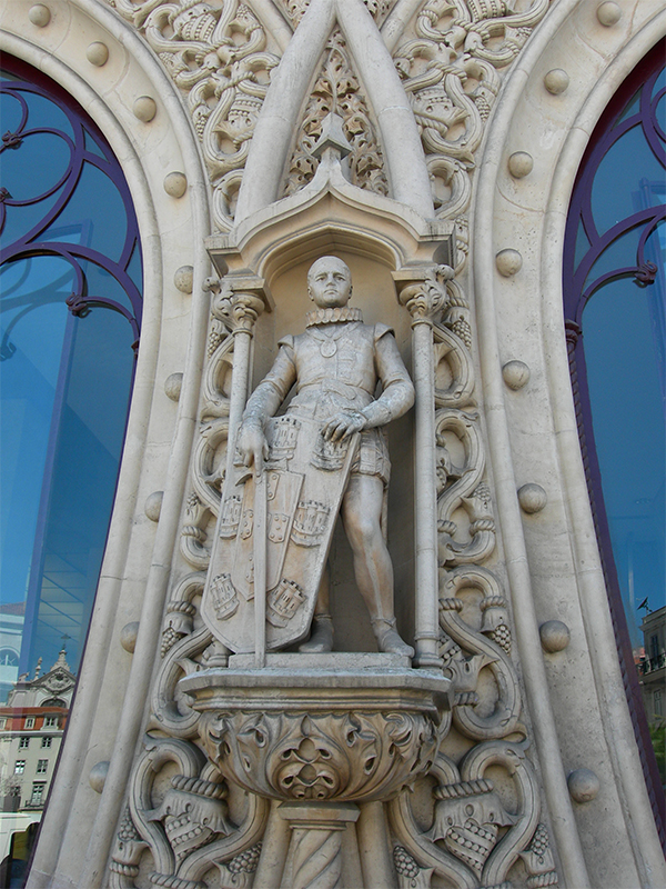 The statue of Dom Sebastiao before it was destroyed. Courtesy of Peter Burka, via Flickr Creative Commons.