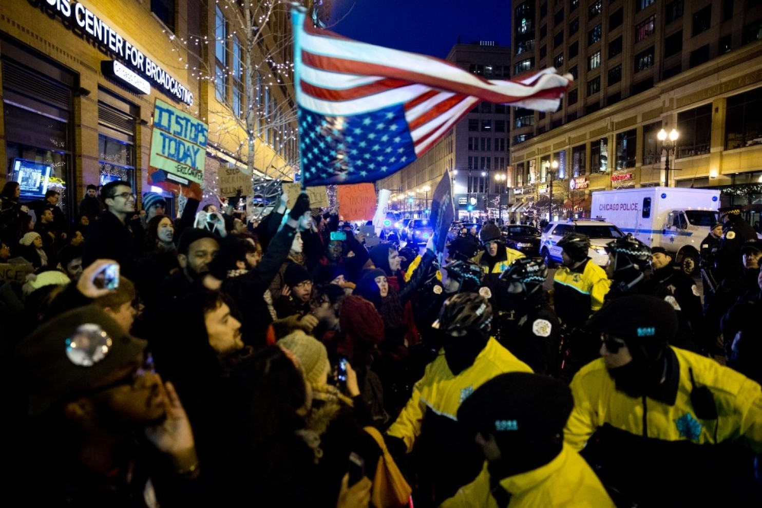 Protesters clash with Chicago police after grand jury decisions in police-involved deaths in December 2014. (Tasos Katopodis/Getty Images)