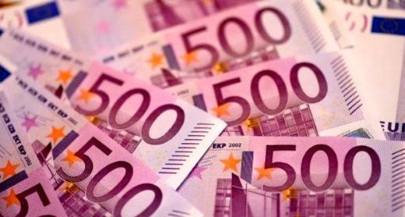 Euros (AFP).