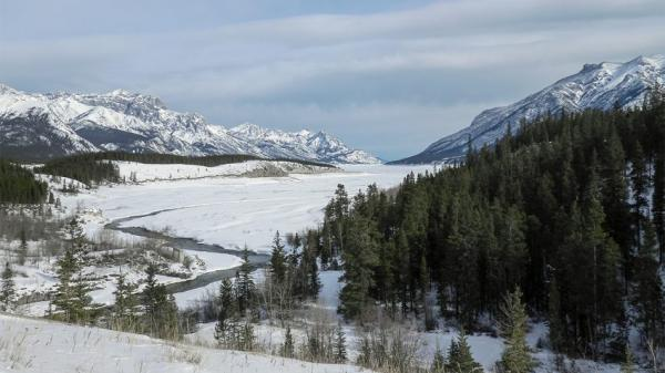 """Courtesy Mikkel Winther Pedersen Looking south through what was once the """"ice-free corridor"""" in present-day Canada. A new study suggests that humans couldn't have traversed through the corridor until about 12,600 years ago, thus bringing about the end of the Bering Strait Theory."""
