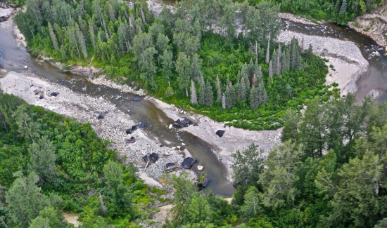 The bed of the Chuitna river is littered with several-ton lumps of coal. Paul Moinester/Alaskans First.