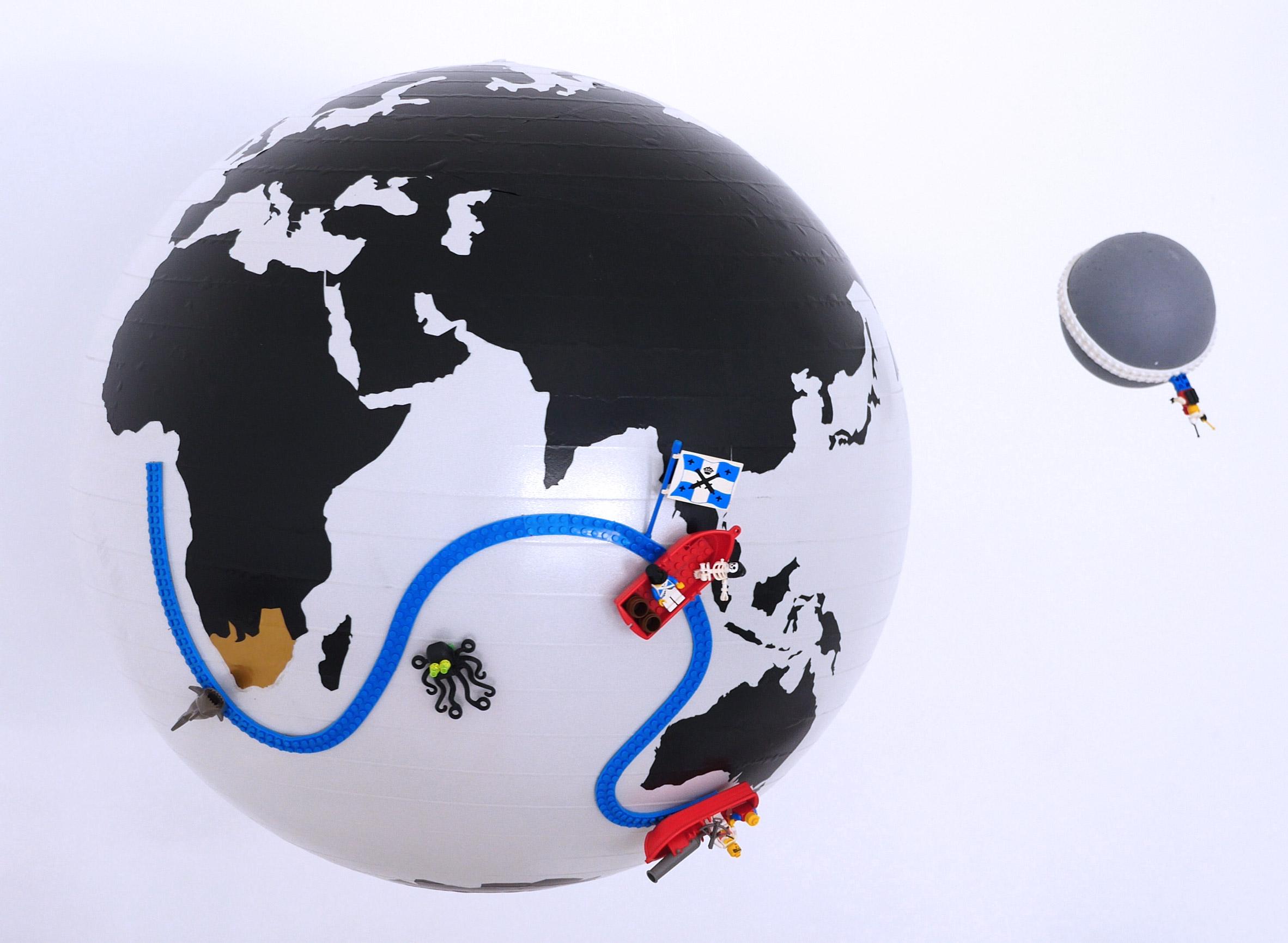 nimuno-loop-lego-tape-design-products-toys-children_dezeen_2364_col_9