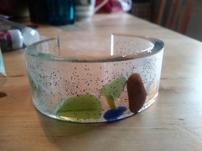 resin bracelet with colourful driftglass