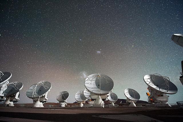 image of many radar under a starry sky