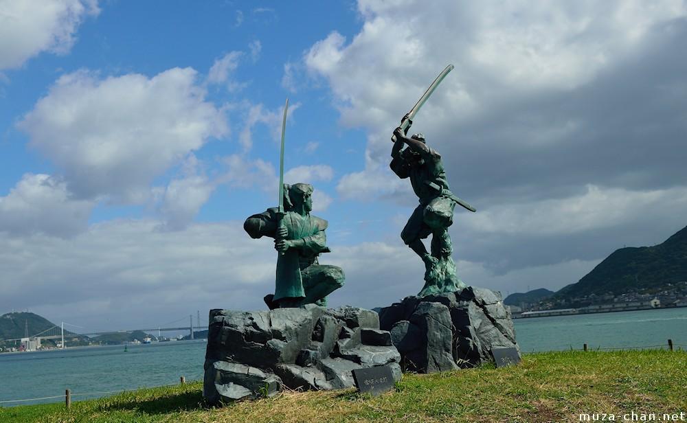 Statue of Kojiro and Musashi in Shimonoseki